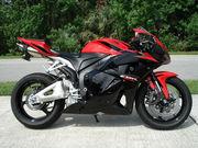 Спортбайк Honda CBR 600RR новый 2011г. в